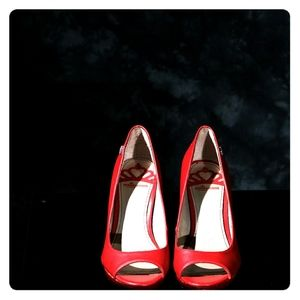 Fergalicious red peep toe heel pumps Size 7